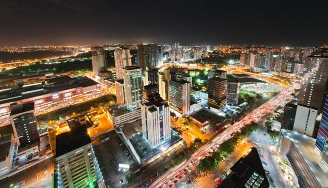 Perspectiva aérea da fachada do Empresarial International Trade Center