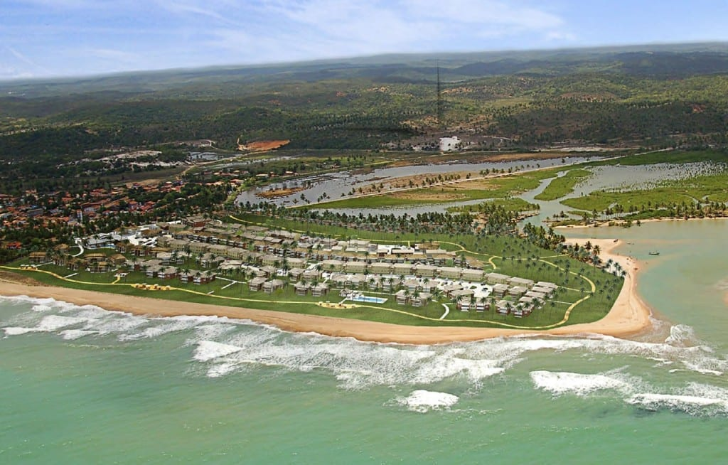 Foto aérea do condomínio Ponta de Inhambupe, município de Esplanada, Bahia.