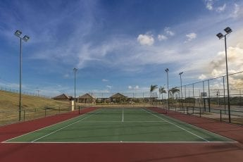 Foto real da quadra de tênis