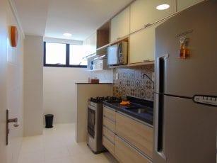 Apartamento Decorado - Foto da cozinha com área de serviço