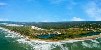 Foto aérea da praia de Imbassai